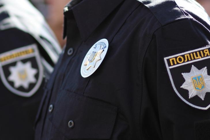ВЧернигове вовремя стычки сгруппой молодых людей полицейский убил мужчину