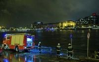 В Будапеште из затонувшего судна достали тела