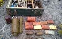 Тайники террористов: на Луганщине, изъяты боевые элементы РСЗО