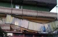 В Киеве обвалились сразу несколько балконов (фото)