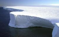 Странное движение гигантского айсберга озадачило ученых