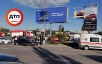 В Киеве внедорожник протаранил легковушку, есть погибший