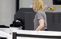 Мадонну заставили снять паранджу в аэропорту Нью-Йорка