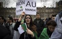 В Алжире прошли акции протеста против выдвижения президента на пятый срок