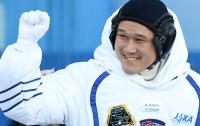 Резко подросший в космосе японский астронавт признал свою ошибку