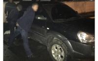 Под Киевом вооруженные иностранцы ограбили мужчину