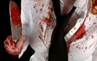 В Германии школьница зарезала брата и написала послание его кровью