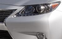 Японцы опубликовали первый тизер нового седана Lexus ES