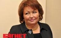 Бахтеева хочет лично выкуривать из Рады курильщиков