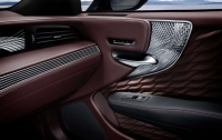 У Lexus появился новый седан