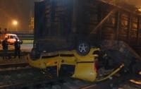 Грузовой поезд раздавил иномарку в Одессе