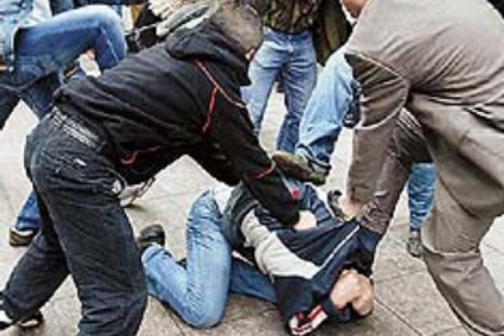 Избитая разгневанной соперницей на видео жительница КЧР оказалась телеведущей