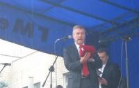 Выборы-2012: в округе №82 «регионал» Дудка подкупает избирателей деньгами?