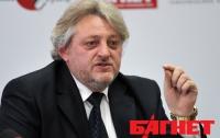 Кандидат в нардепы Драников призывает избирателей не верить провокаторам