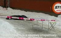В Киеве женщина выбросила из окна 7 этажа ребенка и совершила суицид