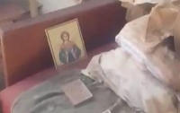 Женщина прожила с мумией матери 30 лет
