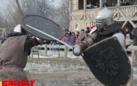 Под Киевом на масленицу сразились рыцари (ФОТО)