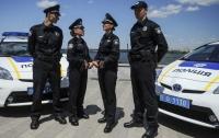 Полицейское авто повисло на заборе