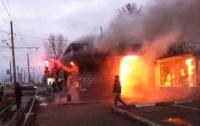 В Харькове горела трамвайная остановка