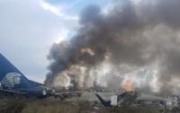 В Мексике разбился пассажирский самолет