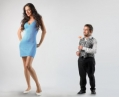 Названы страны, где живут самые высокие женщины и мужчины