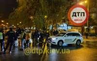 В Киеве патрульные задержали прохожего, который их обматерил