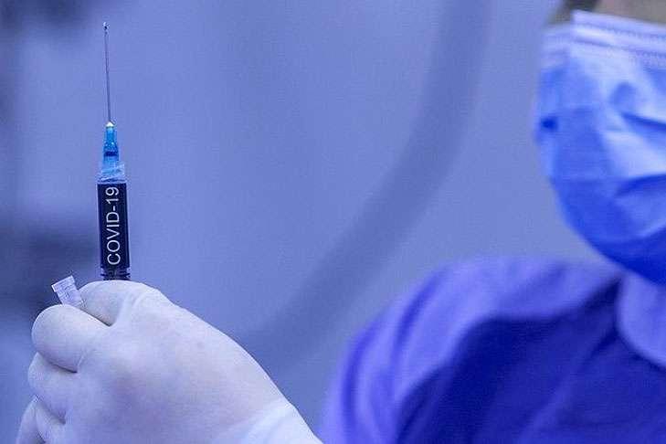Медик попал в поликлинику после вакцинации отCOVID-19