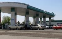 В Туркменистане люди раскупают бензин, а мука и сигареты стали роскошью