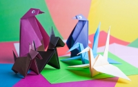 Страдающий ДЦП китаец научился делать оригами языком