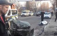 В Одессе тяжело раненых в ДТП Нацгвардейцев прилюдно добивали (видео)