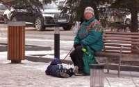 Российская бабушка зверски поиздевалась над внуком (видео)