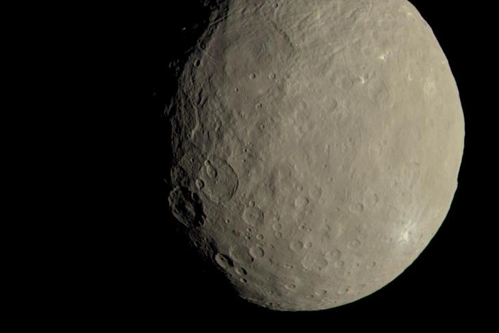 NASA показало кадры миниатюрной планеты