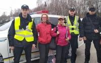 Пропавших в Киеве школьниц нашли на трассе