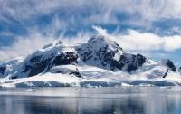 Стало известно, почему в Арктике быстро тает лед