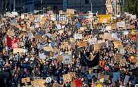 Новая волна протестов против расизма охватила страны на трех континентах