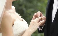 Невеста шокировала необычным свадебным платьем