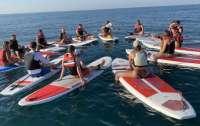 Туристов на сапах унесло в море вместе с инструктором