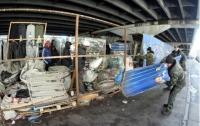 Под Шулявским мостом снесли МАФы