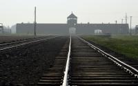 Президент Польши подписал закон о Холокосте