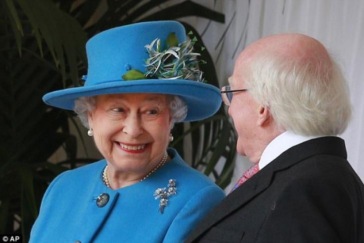 Королева Англии позволила устроить вечеринку вВиндзорском замке встиле ABBA