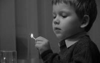 Ребенок случайно сжег три здания на Житомирщине