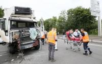 Во Франции в масштабном ДТП столкнулись с десяток автомобилей: пострадало 22 человека