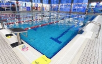 Мужчина умер прямо в бассейне фитнес-центра