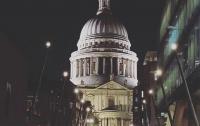 Огромные волшебные палочки из Гарри Поттера появились в центре Лондона