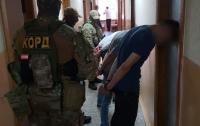 Наркотики через Telegram: на Буковине разоблачили наркодилеров (видео)
