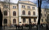В одесском вузе скандал: студентов-патриотов вытолкали из университета