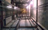 Тело мужчины обнаружили в шахте лифта в Киеве
