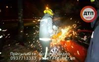 Страшное ДТП на Борщаговской: водитель в тяжелом состоянии