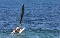Женщину с четырьмя детьми едва не унесло в море на катамаране