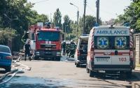 С горячим паром: в Киеве сгорела элитная баня (видео)
